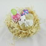 uovo di pasqua con corda