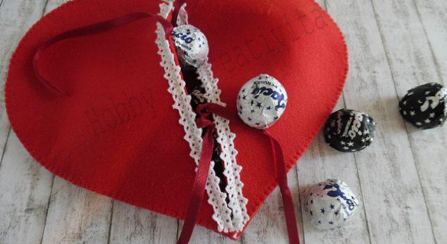 cuore porta cioccolatini in feltro