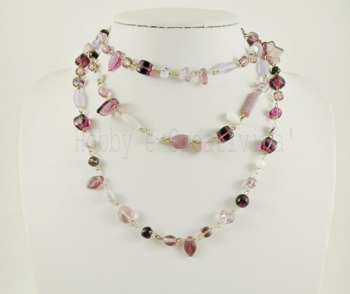 collana lunga in perle di vetro viola