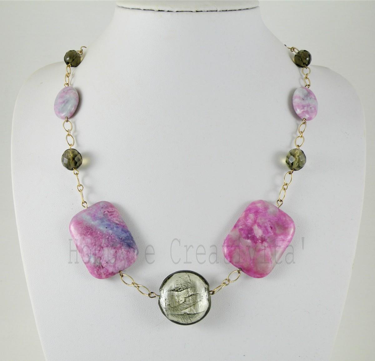 collana in sigulite e perle di vetro