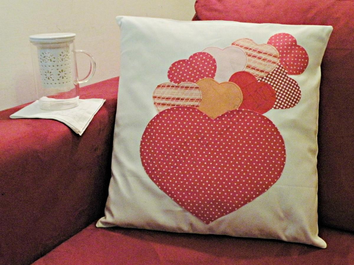 cuscino per san valentino con i cuori