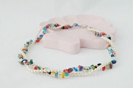 girocollo con perle e murrine