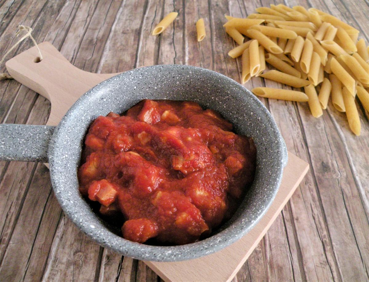 sugo pomodoro e pancetta